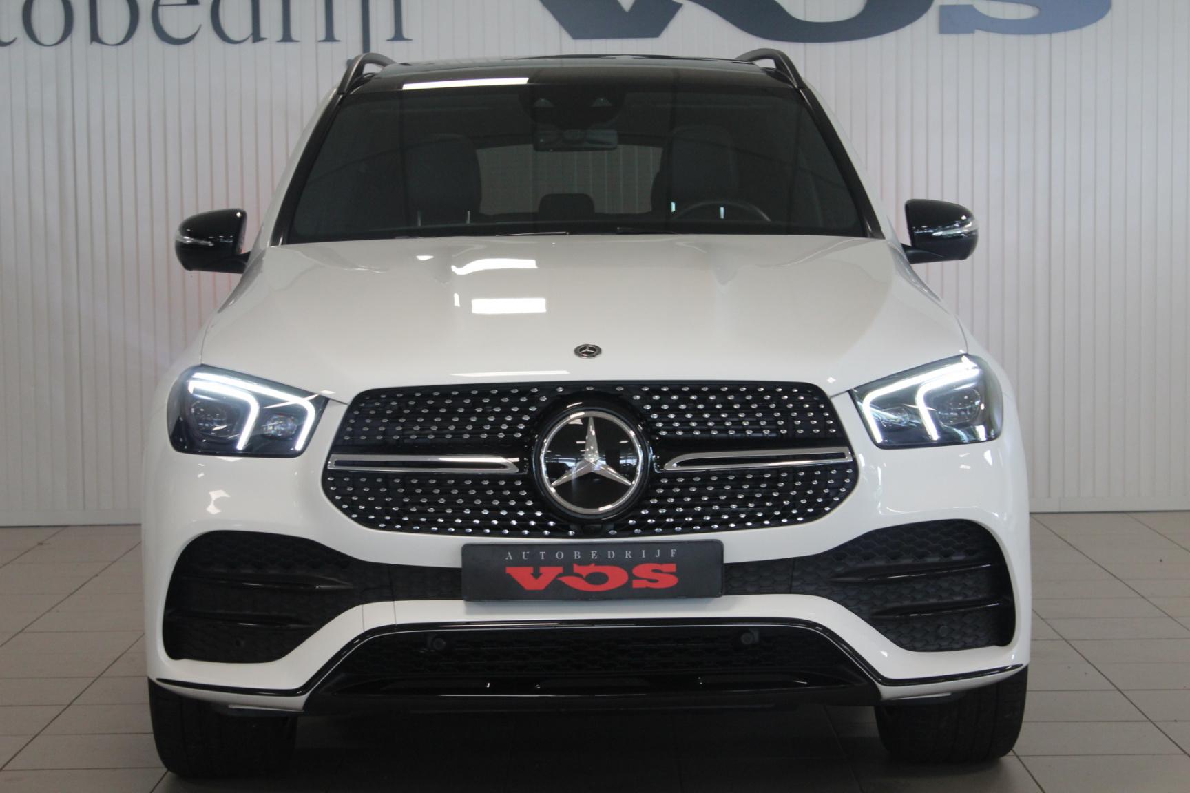Mercedes-Benz-GLE-31
