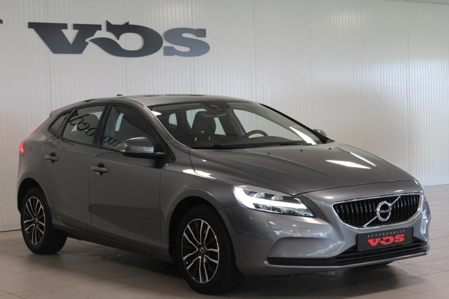 Volvo-V40-25
