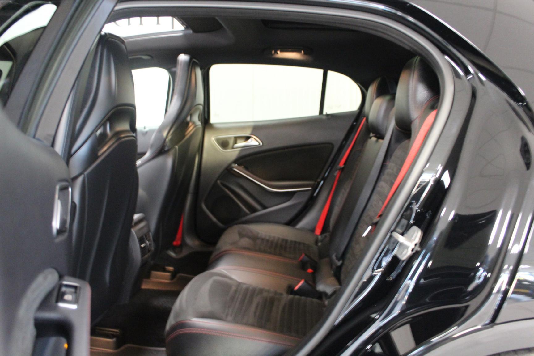 Mercedes-Benz-GLA-7