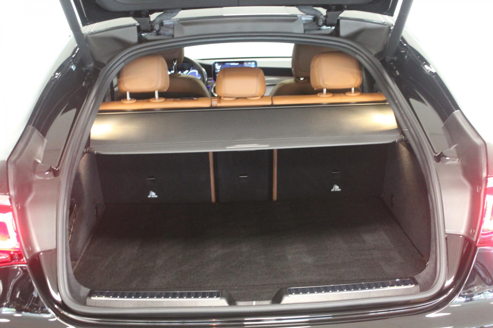 Mercedes-Benz-GLC-35