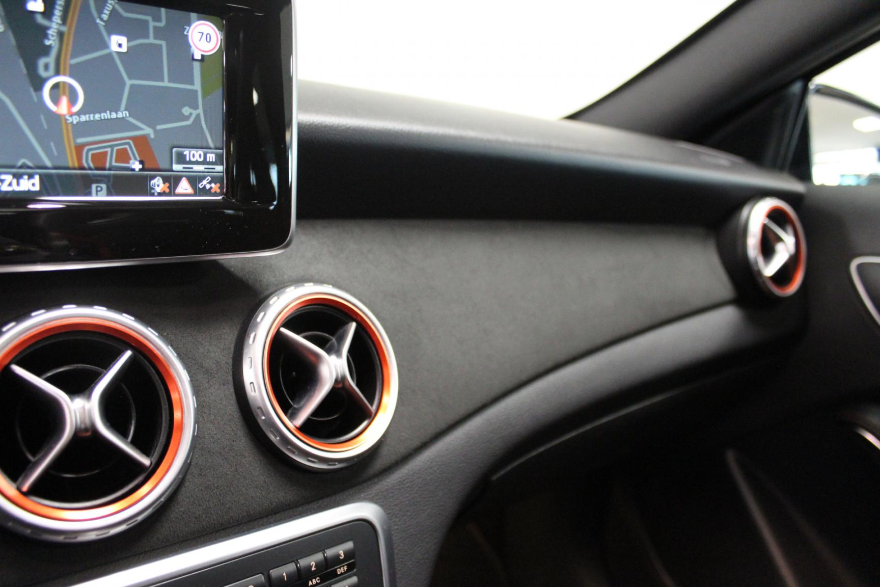 Mercedes-Benz-GLA-19