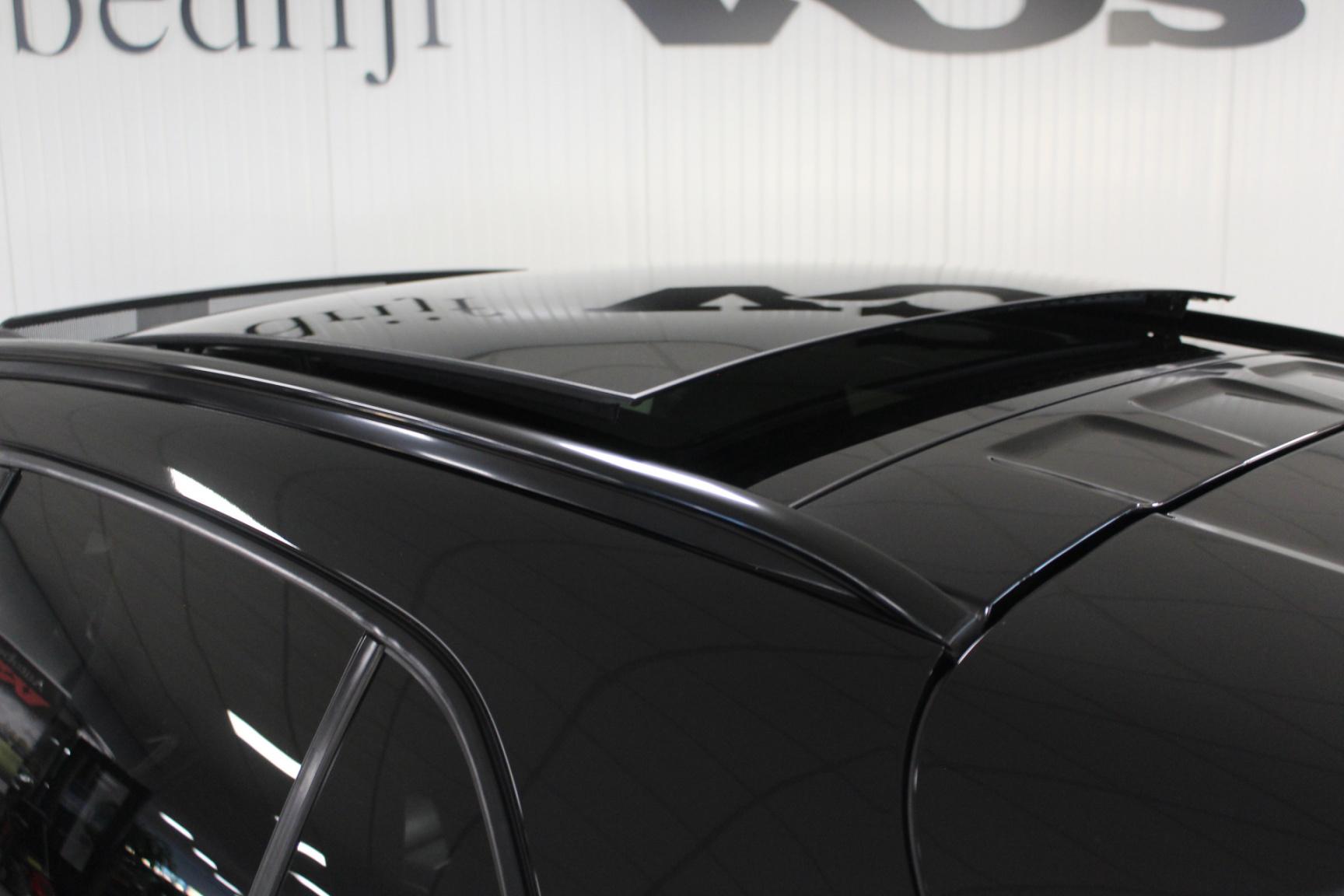 Mercedes-Benz-GLA-14